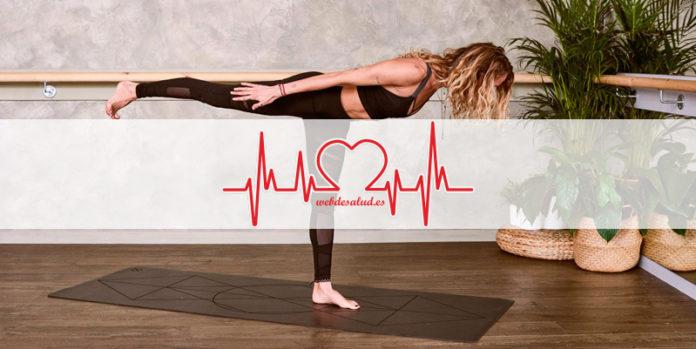 mujer ejercicios mat pilates