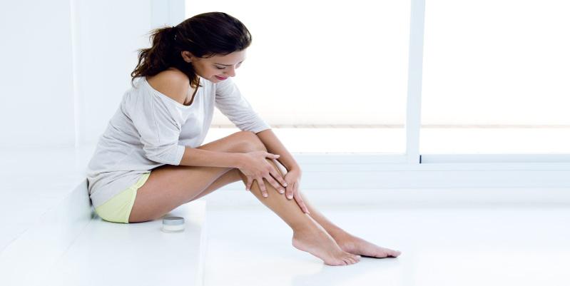 No olvides consentir tus piernas. Los calambres puedes erradicarse con masajes constantes