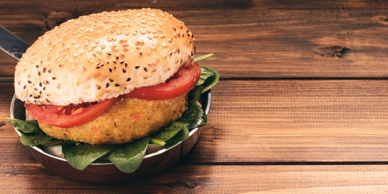 Hamburguesa vegetariana con quinoa